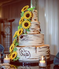 Rustic sunflower wedding cake to complete the couple's country theme. 🌻 . .  #brittanyharmeningphotography #njweddingphotographer #newjerseybride #njbridetobe #jerseyshoreweddingphotographer #paweddingphotographer #phillyweddings #weddingcake #rusticwedding #sunflowercake Sunflower Wedding Cakes, Sunflower Cakes, Beach Wedding Reception, Rustic Wedding, Wedding Ideas, Barn, Weddings, Bride, Country