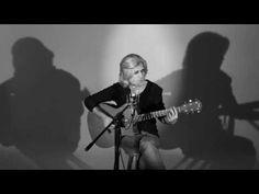 Oswaldo Montenegro - Velhos Amigos - Clipe oficial - YouTube