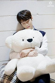 I want that teddy bear sooo badly. It it so cute and giant and fluffy! Chanyeol, Kdrama, Kim Myungjun, Cha Eunwoo Astro, Astro Wallpaper, Lee Dong Min, Astro Fandom Name, Sanha, Korean Bands
