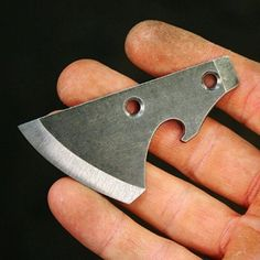 I have 2 available Bottle Hawks left from the first batch. They will be ready to ship on… Cool Knives, Knives And Swords, Bushcraft Kit, Knife Making Tools, Diy Knife, Knife Patterns, Homemade Weapons, Neck Knife, Battle Axe