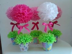 Obraz może zawierać: kwiat i roślina Valentine Crafts For Kids, Mothers Day Crafts, Easter Crafts, Diy Crafts For Kids, Fun Crafts, 90th Birthday Parties, Baby Boy 1st Birthday, Pom Pom Centerpieces, Diy Ostern