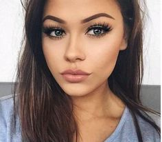 10 Dark Lipstick Colors To Try This Winter (dark lipstick colors) Dark Lipstick Colors, Lipstick Shades, Make Up Tutorials, Kylie Jenner, Bobbi Brown, Covering Acne, Party Makeup Looks, Makeup Tutorial Eyeliner, Perfect Lipstick