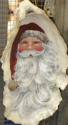 Bilderesultater for how to paint a easy santa face on decor Seashell Painting, Seashell Art, Seashell Crafts, Beach Crafts, Seashell Projects, Coastal Christmas, Christmas Art, Handmade Christmas, Beach Christmas