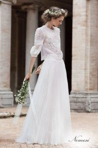 Beautiful and Unique Wedding Dresses Ideas - Bridal Collection. The wedding dress is the most difficult part of a wedding. Look at our beautiful and unique wedding dresses to help you find your dream wedding dress. 2016 Wedding Dresses, Bridal Dresses, Wedding Gowns, 2017 Wedding, Wedding Dress Sleeves, Long Sleeve Wedding, Boho Wedding, Dream Wedding, Wedding Shawl