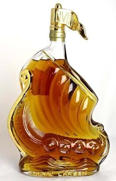 Liquor store SPANA: Larsen hand made glass ship 700 ml 40 times Larsen Gold Decorated Glass Viking Ship Fine Champagne Cognac brandy Mini Liquor Bottles, Rum Bottle, Alcohol Bottles, Drink Bottles, Perfume Bottles, Whisky, Cigars And Whiskey, Scotch Whiskey, Spiritus
