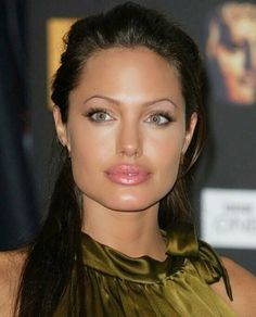 Gorgeous pic of Angelina Jolie