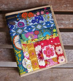 Folk Song Notebook Cover by Heidi Staples of Fabric Mutt Notebook Covers, Journal Covers, Fabric Book Covers, Quilted Gifts, Fabric Postcards, Diy Mode, Bible Covers, Fabric Journals, Book Quilt