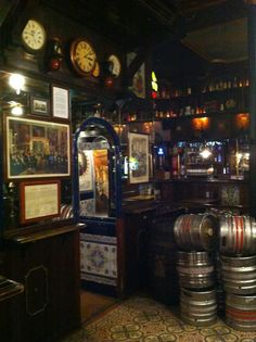 La Fontana De Oro - A great place to spend the night after work enjoying a few drinks #Madrid