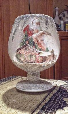 Pin na Christmas candles Christmas Decoupage, Painted Christmas Ornaments, Christmas Candles, Christmas Centerpieces, Rustic Christmas, Christmas Art, Christmas Christmas, Wine Bottle Art, Painted Wine Bottles