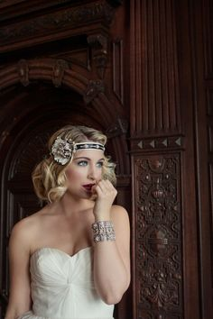 Vintage Bridal Beauty. Love the glamour
