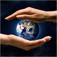 Presentaciones de nuestro Planeta, Globos, Mapas, así como las Esferas de Cristal, son excelentes para conectarnos con el Elemento Tierra y activar Sabiduría, Conocimiento y Estudios, en la coordenada Noreste de Salas, Estudios, Oficinas, Habitaciones.