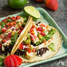 Mojito Grilled Chicken Tacos recipe with Strawberry Avocado Salsa is light and refreshing. A simple and easy marinade gives this Mojito… Grilled Chicken Tacos, Chicken Taco Recipes, Mexican Food Recipes, Chicken Meals, Garlic Chicken, Strawberry Salsa, Strawberry Recipes, Quesadillas, Empanadas