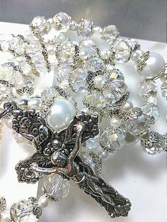 Catholic Jewelry, Rosary Catholic, Holy Rosary, Praying The Rosary, Silver Pearls, Rosary Beads, Prayer Beads, Blessed Mother Mary, Vestidos