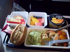 I know a lot of people hate it, but I just LOVE airplane food. Don't get me wrong. My parents say I have good taste in food (They know where I got it from *winkwink*), but for some odd reason I love airline food!