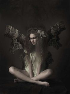 Riveting Fairytale Photography - 'A Story of Fairies' by Salvador Pozo is Untraditional (GALLERY)
