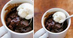 Les brownies dans une tasse sont peut-être riches, mais ils sont surtout faciles à préparer, en portions individuelles, et demandent seulement 5 minutes au micro-ondes!