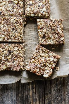Nut + Oat Chewy Granola Bars (sweetened with dates! Date Granola Bars, Healthy Granola Bars, Chewy Granola Bars, Whole Food Recipes, Snack Recipes, Bar Recipes, 16 Bars, Healthy Sweets, Healthy Snacks