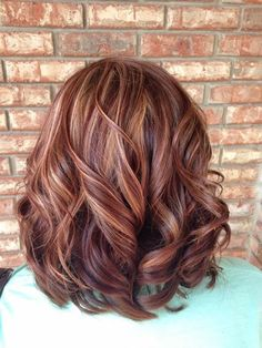 50 Inspiring Fall Hair Colors Ideas That Trending In 2019 So long, Summer! The leaves are changing, and so should your hair! Changing your hair color to capture the beauty […] Fall Hair Colors, Brown Hair Colors, Cool Hair Color, Fall Hair Color For Brunettes, Red Hair Colour, Autumn Colours, Brown Hair With Highlights, Hair Color Highlights, Fall Highlights