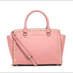 23003b0669610 Nwt Michael Kors Selma! Pink Handbags