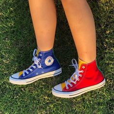 Galaxy Converse, Mode Converse, Sneakers Mode, Outfits With Converse, Sneakers Fashion, High Top Sneakers, Converse Hightops, Converse Shop, Converse Logo