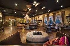 """Even if you never mastered Michael Jackson's famous dance routines, you can now moonwalk in the footsteps of MJ himself in what's been dubbed the """"Thrilla Villa."""" Click through for more photos of Michael Jackson's Las Vegas home."""