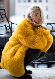 Mustard Faux Fur Styling by The Haute Pursuit https://www.facebook.com/SLcomunidad