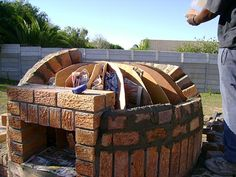 Round igloo pizza oven building construction.