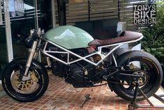 "11.3 mil Me gusta, 29 comentarios - CAFE RACER  caferacergram (@caferacergram) en Instagram: ""⛽️ Fueled by @rebelsocial | TAG: #caferacergram | Ducati Monster 900 by @tonys_bike_design…"""