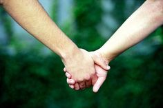 holding hands - Google 搜尋