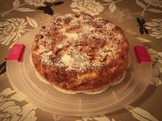 Apple pie with white wine