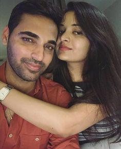 Bhuvneshwar Kumar with his wife Nupur Nagar 💕 World Cricket, Download Hair, Latest Cricket News, Most Beautiful Indian Actress, Best Couple, Girl Pictures, Indian Actresses, Family Photography, Couple Photos