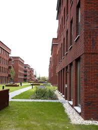 Zorg dat de wijk goed aansluit op de bestaande nieuwbouw aan de westkant. Of dat het contrast spannend blijft en niet vloekt met elkaar.
