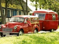 My ultimate covet! Morris Minor wagon w/ Danish trailer Retro Caravan, Camper Caravan, Retro Campers, Cool Campers, Camper Trailers, Vintage Campers, Vintage Rv, Vintage Caravans, Vintage Travel Trailers