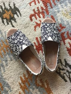 963b8aa43722 TOMS Women s Alpargata Black Floral Open Toe Flats Shoes Size W5.5  Pre-owned  fashion  clothing  shoes  accessories  womensshoes  flats (ebay  link)