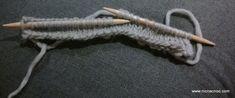 Super Easy Knit And Felt Slippers – Tutorial Felted Slippers Pattern, Knitted Slippers, Knit Mittens, Knitting Socks, Knitting Club, Needle Felting Tutorials, Knitting Patterns, Knitting Ideas, Baby Boots