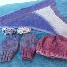 This is the Centaur colorway. Free knit and crochet crocodile stitch mismatched cuffs in same colorway (shown).