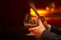 Afbeeldingsresultaat voor whiskey en sigaar