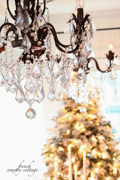 FRENCH COUNTRY COTTAGE: Decking the halls ~Holiday Housewalk Home Tour