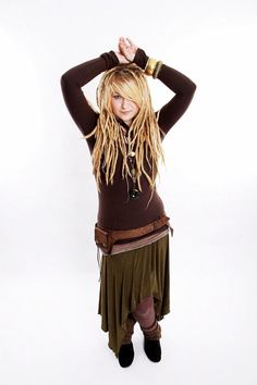 Like the dreads with bangs and the outfit is soooo organic and comfy looking.  I'd wear this with mocassins!