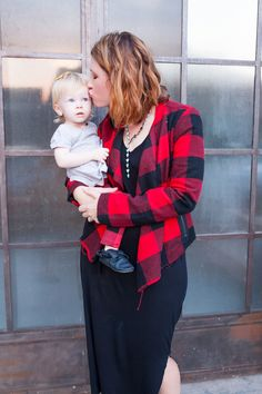 How adorable is this mommy and me outfit? I love that buffalo plaid jacket and those plaid leggings? Perfect holiday outfit!