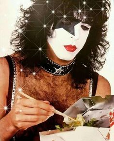 Kiss Images, Kiss Pictures, Halloween Eye Makeup, Halloween Eyes, Los Kiss, Rock And Rool, Kiss World, Gene Simmons Kiss, Vinnie Vincent