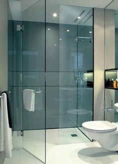 Small Bathroom Design Ideas Recommended For You. The small bathroom design photos we gathered in the list below prove that size doesn't matter. Modern Bathroom Design, Bathroom Interior Design, Modern Bathrooms, Small Bathrooms, Bath Design, Bathroom Designs, Interior Ideas, Modern Marble Bathroom, Modern Luxury Bathroom
