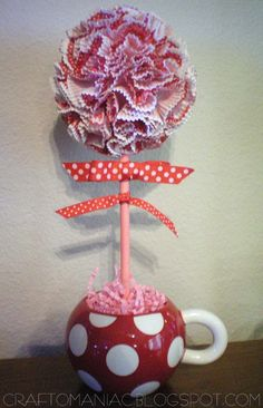 Craft-O-Maniac: Valentine CupCake liner Topiary - Made this and it's so cute!