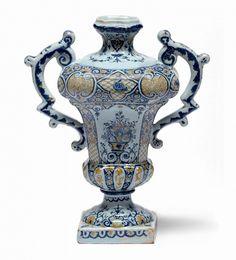 Vase balustre, faïence, Rouen vers 1720-1730