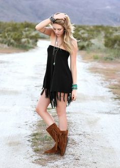Trendy fringe boots for this winter - Glam Bistro