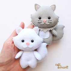 Digital Handout - langhaarige Katze Datei im PDF-Format, pron . Felt Patterns, Stuffed Toys Patterns, Felt Christmas Ornaments, Christmas Crafts, Cat Crafts, Diy And Crafts, Chat Crochet, Diy Y Manualidades, Felt Cat