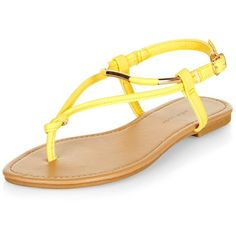 New Look Wide Fit Yellow Metal Knot Sandals ($11) ❤ liked on Polyvore featuring shoes, sandals, yellow, yellow shoes, new look sandals, new look shoes, wide fit sandals and wide fit shoes
