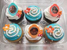 https://flic.kr/p/SowFEd | Moana Cake + Cupcakes