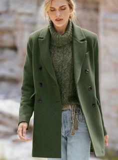 Mantel Outfit, Stylish Winter Coats, Fall Coats, Green Wool Coat, Green Winter Coat, Fall Winter, Winter Outfits, Alpaca Coat, Style Retro