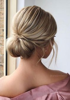 100 Prettiest Wedding Hairstyles For Ceremony & Reception - Messy textured updo bridal hairstyle,wedding hairstyles,chignon wedding hairstyle ideas weddinghair hairstyles updo bridalhair promhairstyle texturedupdo messyupdo 634866878702232120 Chignon Wedding, Curly Wedding Hair, Wedding Hairstyles For Long Hair, Wedding Hair And Makeup, Down Hairstyles, Easy Hairstyles, Hairstyle Wedding, Hairstyle Ideas, Gown Wedding